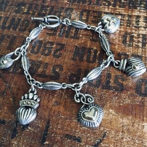 Jewelry - Silver heart charm bracelet toggle clasp M/L